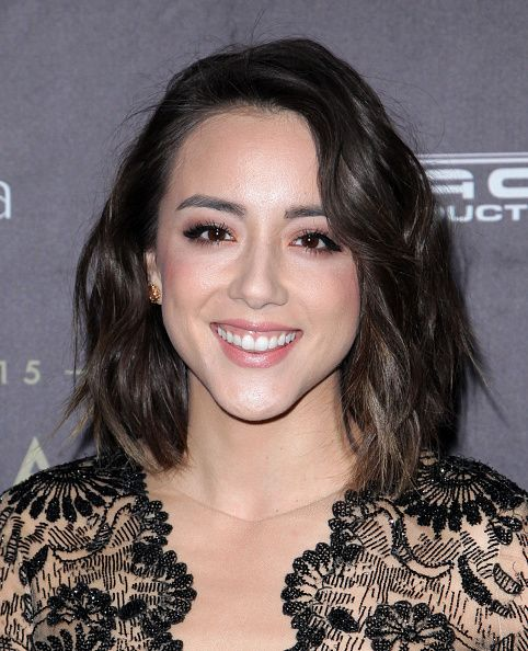 Chloe Bennet wins Best Actress at the 2015 Unforgettable Gala - Asian American Awards (x)