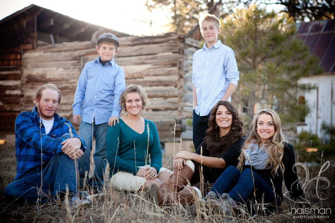 Colorado family photography poses amd ideas for older children young adults rustic and natural backdrop chelsea haisman photography cordova alaska