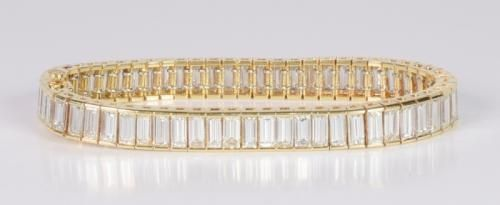 Diamond Baguette Bracelet Set In 18k Yellow Gold Mounting
