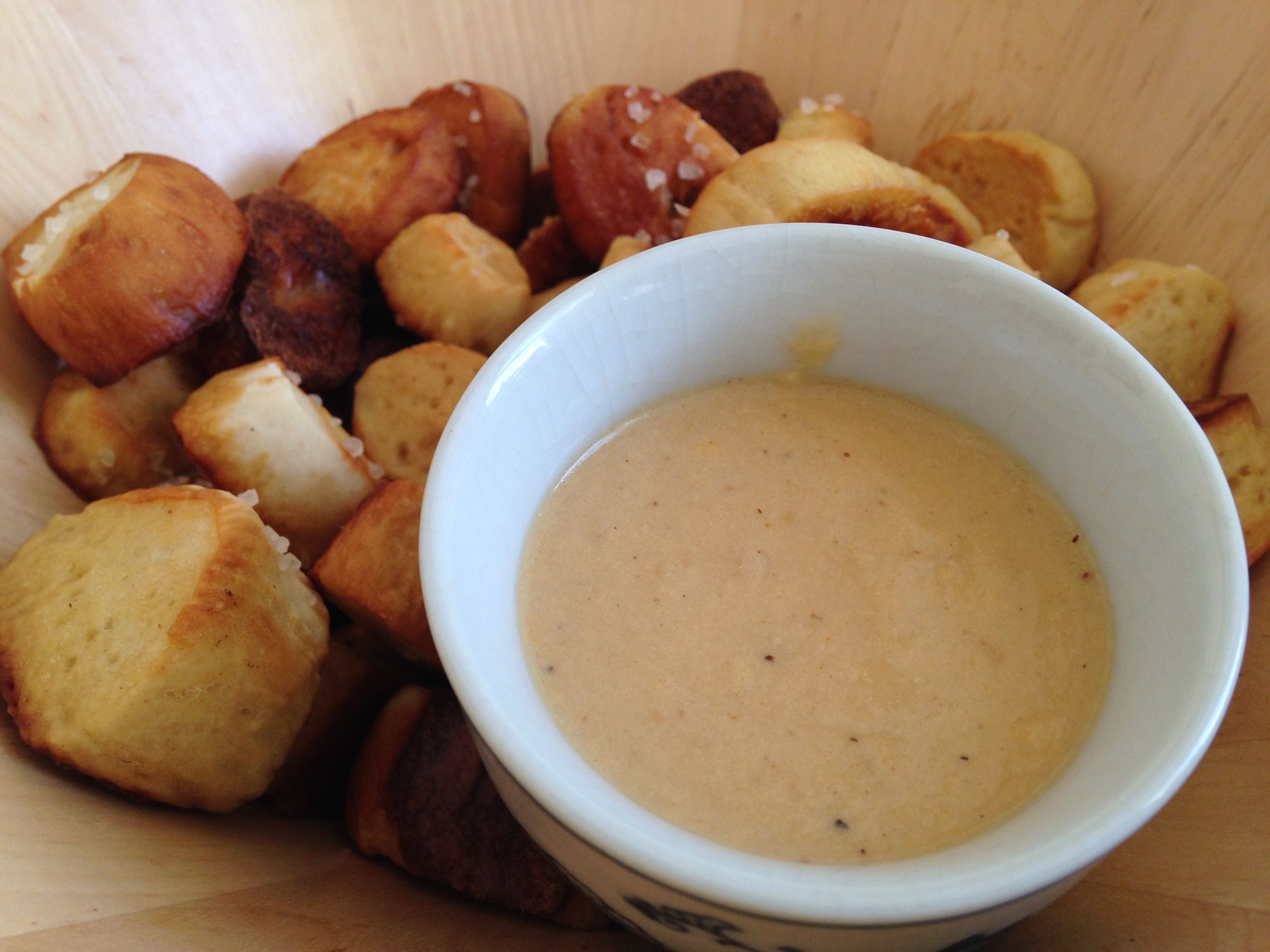 Pretzel Bites w/ Cheddar & Guinness Dipping Sauce