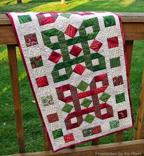 Holiday tutorial round up inspired by fabric runners for Round table runner quilt pattern