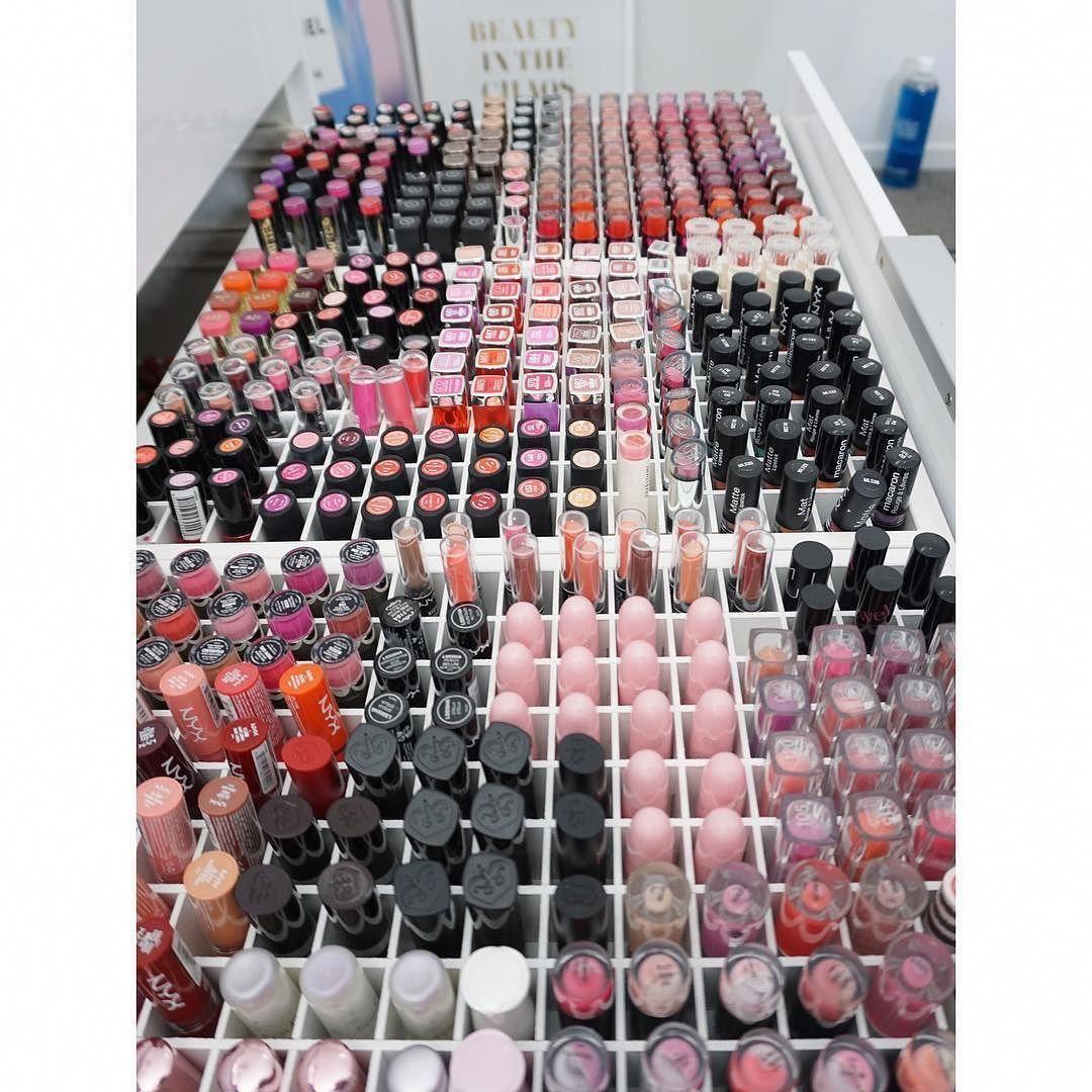 makeupcollectionbeautyroom Makeup collection storage