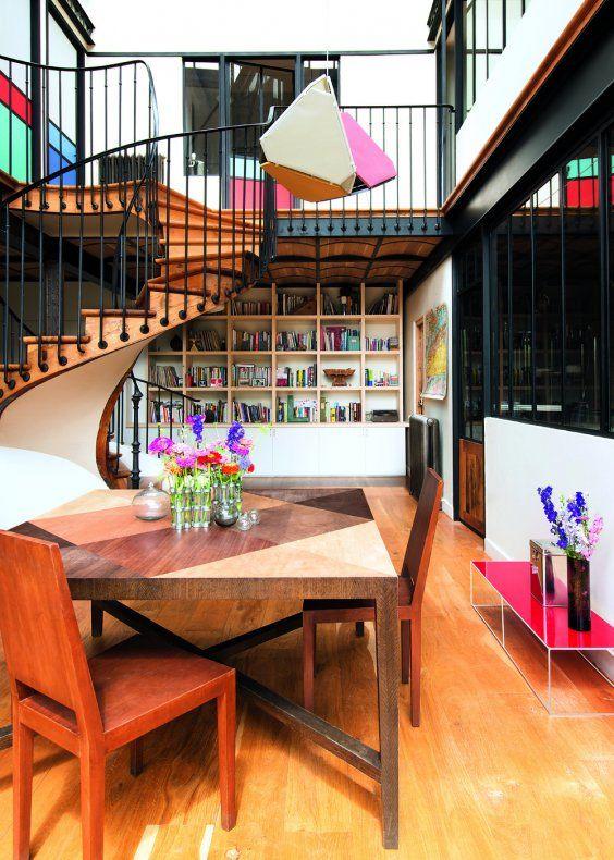 Une salle à manger à géométrie variable Exterior, Spaces and Interiors