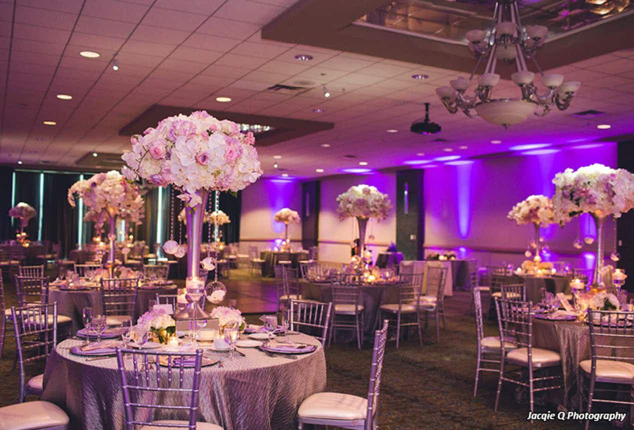 Turf Valley Resort And Other Beautiful Baltimore Area Wedding Venues Compare Info And Prices View P Maryland Wedding Wedding Site Wedding Reception Locations