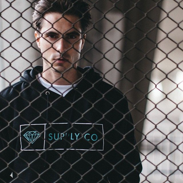 Californian label @diamondsupplyco produces yet another season of premium skateboarding goods and apparel. Head over to the @hypebeaststore now to shop the 2015 Spring/Summer collection.