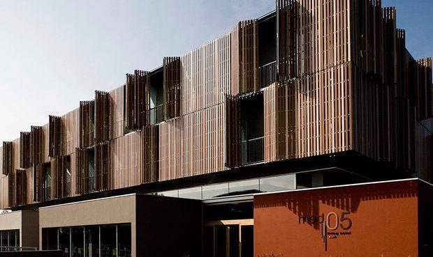 Parasoles verticales en madera buscar con google for Parasoles arquitectura