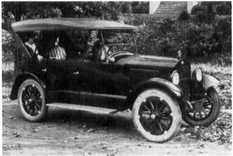 Dixie Flyer (1916 - 1923); Kentucky Wagon Manufacturing Co - car flyers