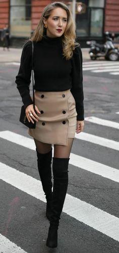 Cuissardes avec un jupe : 20 modèles qui claquent Jupe avec des Cuissardes Noir... #casualstylefall