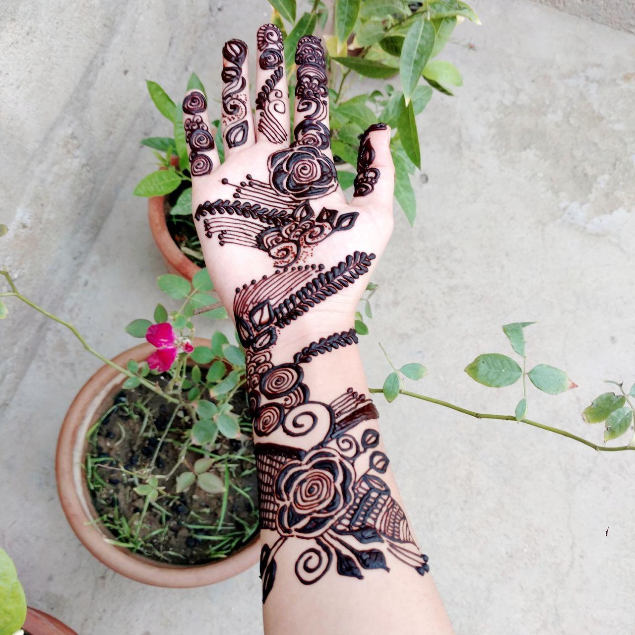 Stylish Rose Mehndi Design For Front Hand Simple Rose Mehndi Design By Mehndi Artist Noor Rose Mehndi Designs Simple Rose Lace Up Flat
