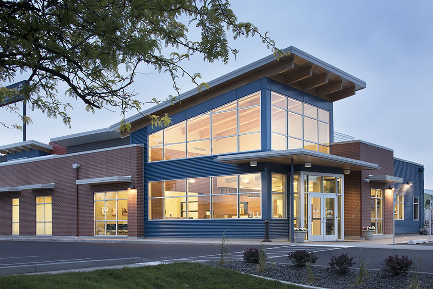 Pet Emergency Clinic & Referral Center