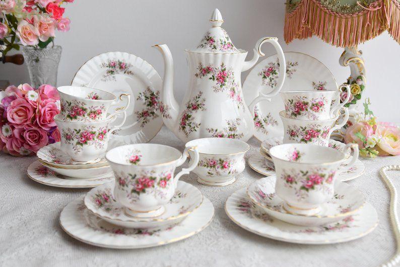 Royal Albert Tea Set Vintage Floral Tea Set Royal Albert Lavender Rose England Tea Cup Set English Porcelain Bone China Tea Cup Set For Six In 2020 Tea Sets Vintage Kids