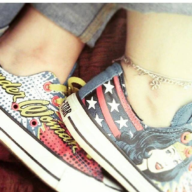 Elegante Sitio de Previs litro  annabellelouiselee is rocking some girl power with her Wonder Woman Converse!  #showusyourconverse #blueba… (With images) | Womens converse, Adidas  superstar sneaker, Shoes heels
