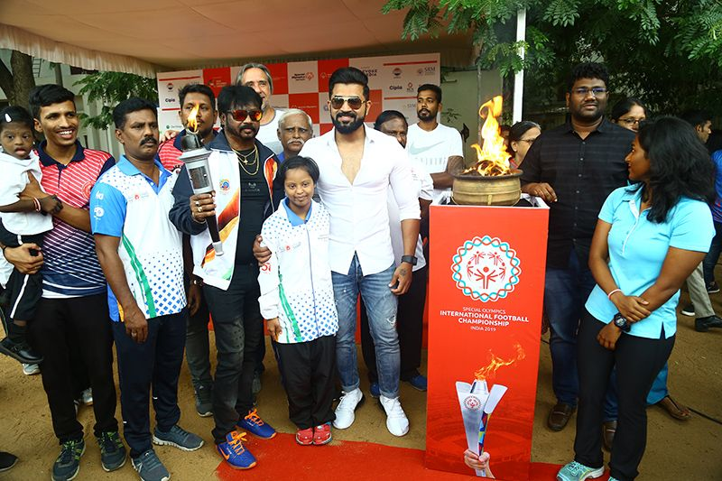 Actor Arun Vijay flags of Flame of Hope Torch Rally to Prelude SOIFC 2019