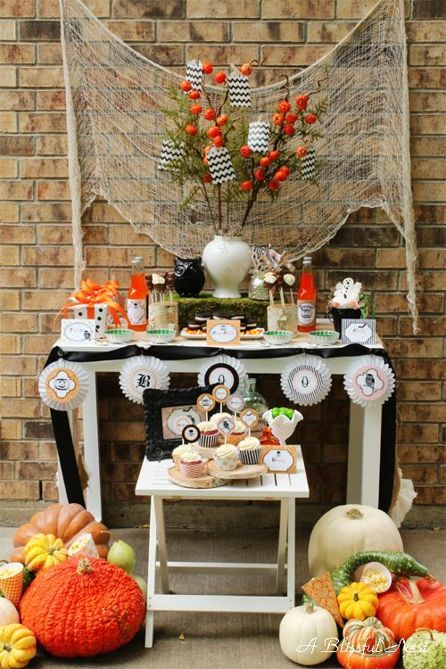 Classic Halloween Party Ideas Halloween parties, Holidays - kids halloween party decoration ideas