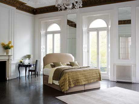 Vi-Spring #boxsprings #Majesty Vi-Spring, de #Britse fabrikant van op maat gemaakte #luxebedden, introduceert zijn meest luxueuze #ontwerp tot nu toe: de #Majesty. In combinatie met de 'President' #boxspring, heeft dit #bed niet minder dan 5 lagen pocketveren, wat zorgt voor uitzonderlijke luxe en comfort. Meer informatie over #bedden en vi-spring: http://www.wonenwonen.nl/bedden/vi-spring-boxsprings/6217