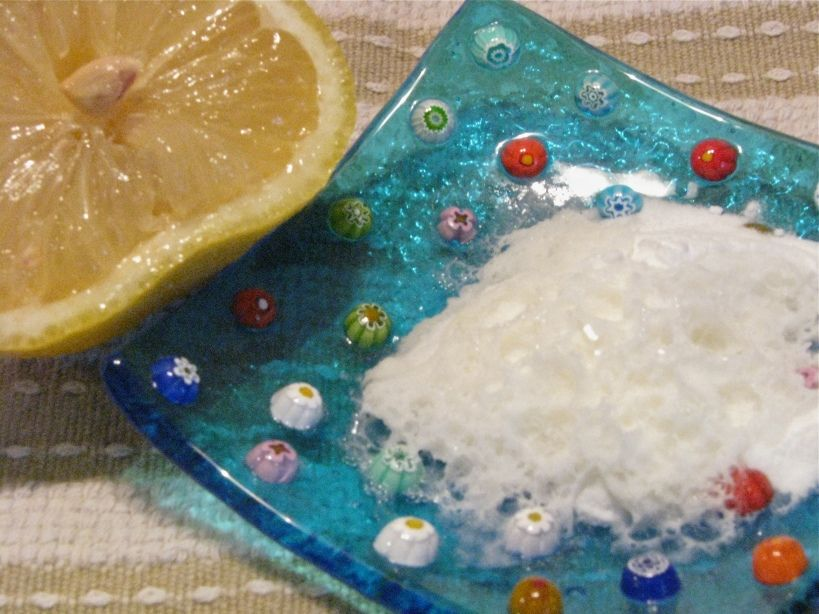 Homemade cleaning products baking soda lemon homemade