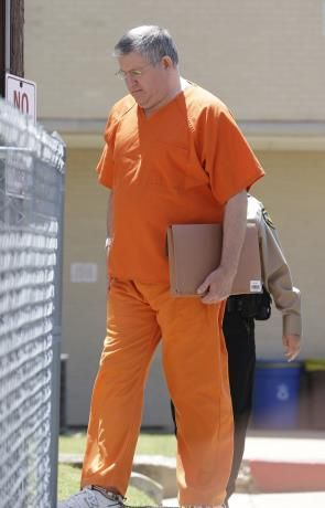 Ex-Texas mortician being freed from prison early Cause I\u0027m a