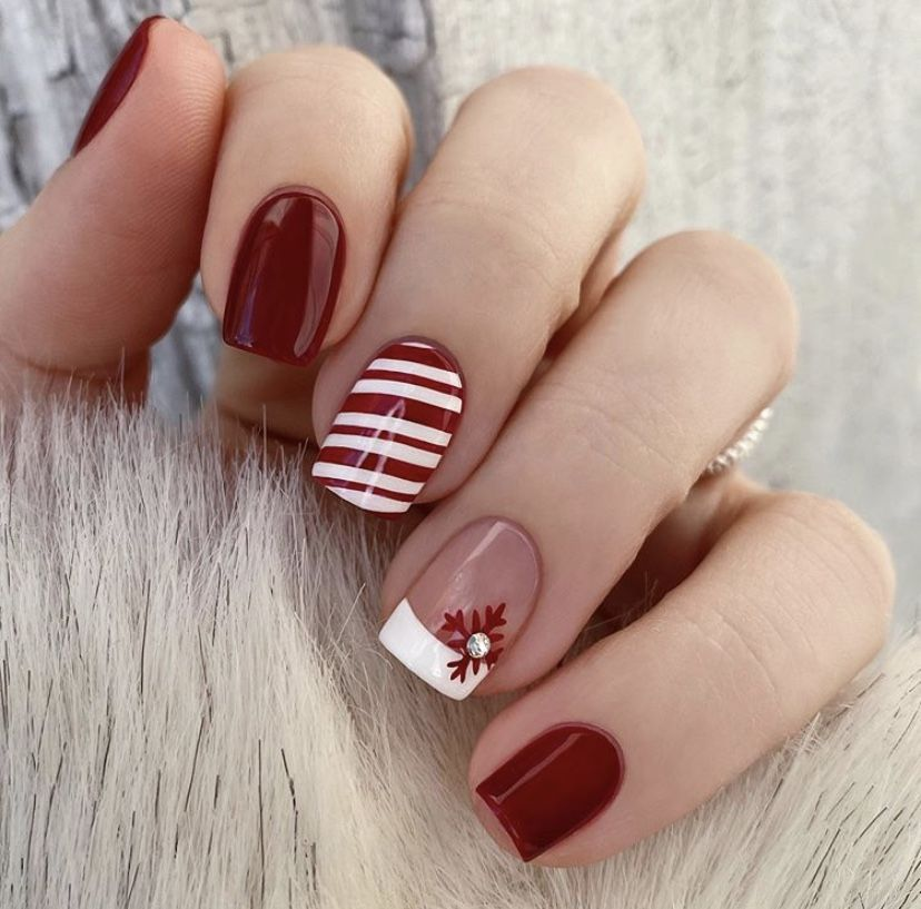 Holiday Nails Hours: Pin By Emily Radtka On Christmas Nails