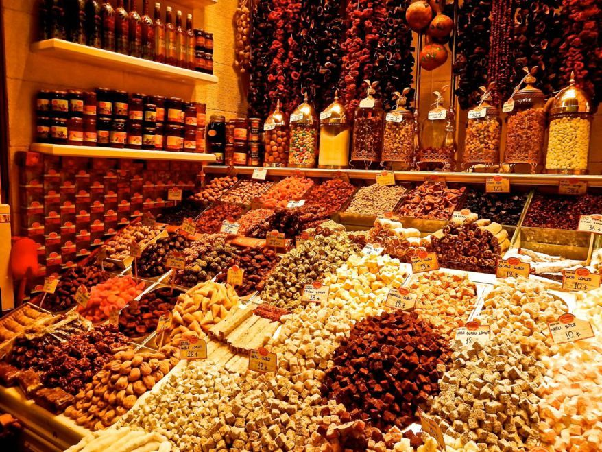 Turkish delights and lots of sweets in Istanbul, Turkey.   Trueworldtravels.com