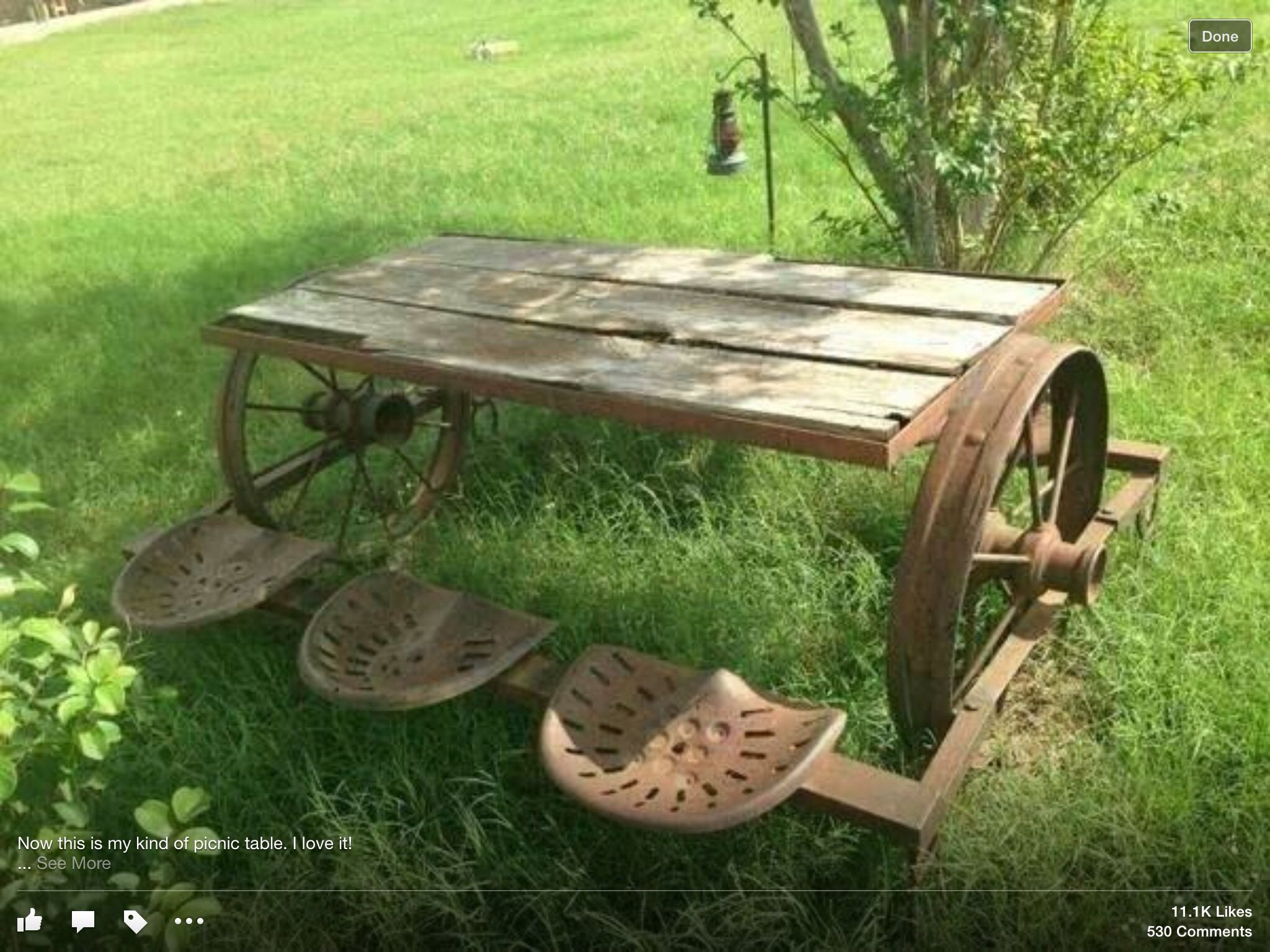Great Rustic Wagon Wheel Wood Picnic Table With Tractor Seats U003cu003e (farm)