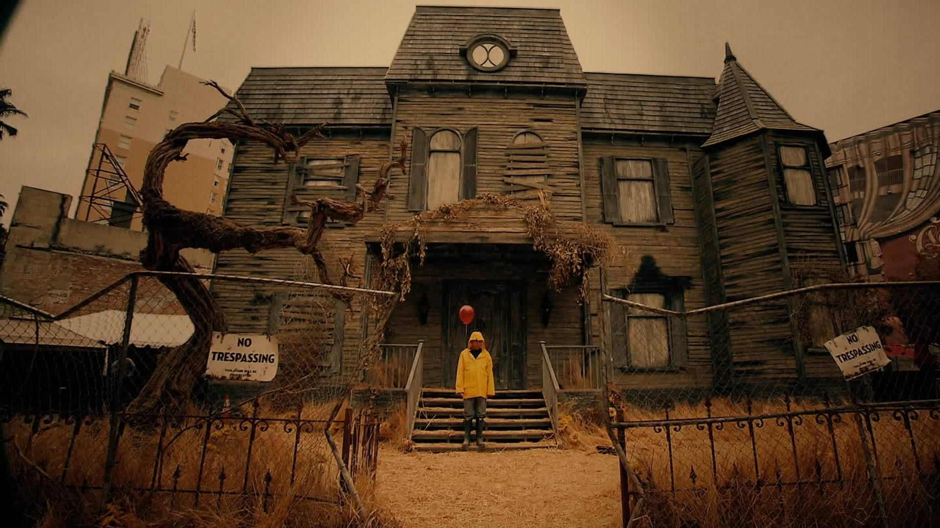 IT (2017) Scary houses, Haunted house, Halloween haunted