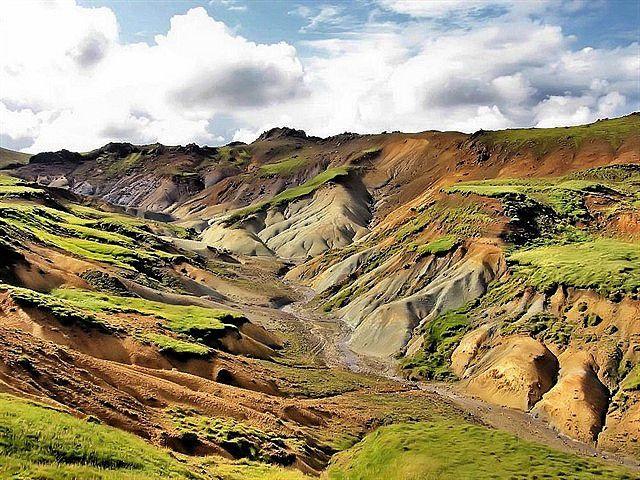 Valley in Reykjaness
