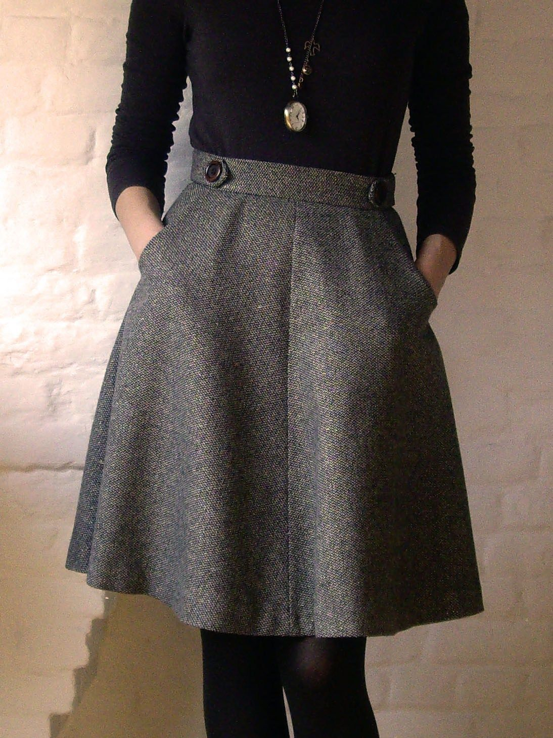 Pirouette, Cacahuète! | Work skirts, Grey and A line