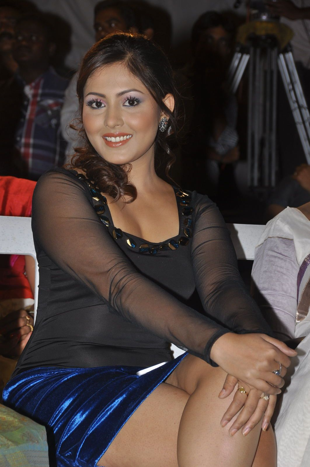 Madhu Shalini Nude Photos Pretty madhu-shalini-hot-photos-at-park-movie-audio-launch_4f497225