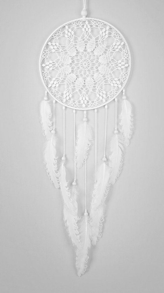 grand capteur de r ve blanc napperon crochet napperon dreamcatcher avec plumes boucl s blanches. Black Bedroom Furniture Sets. Home Design Ideas