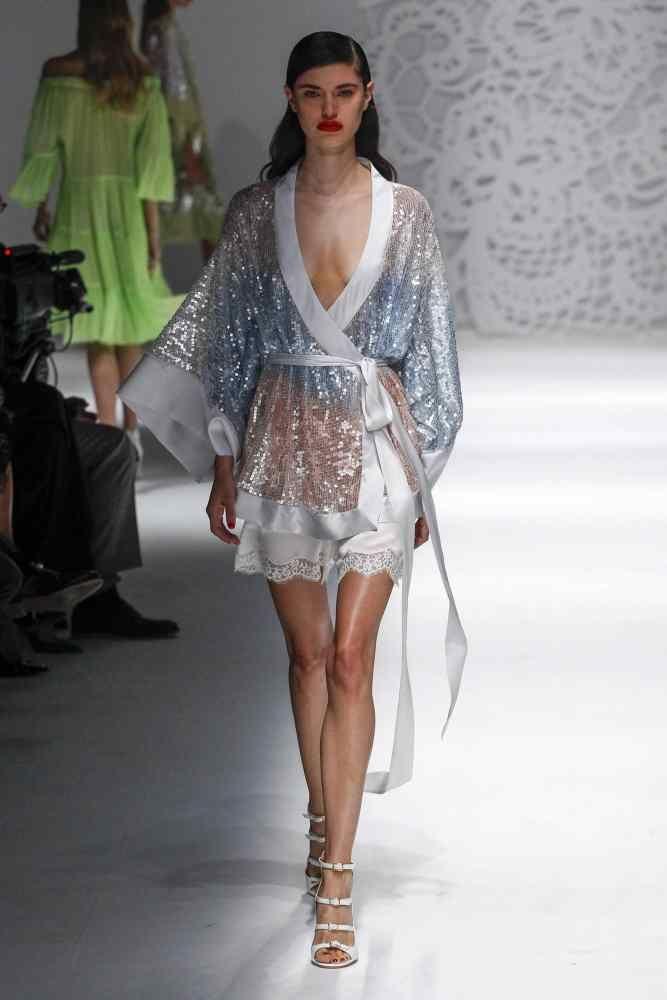 Trendy dresses for summer 2018