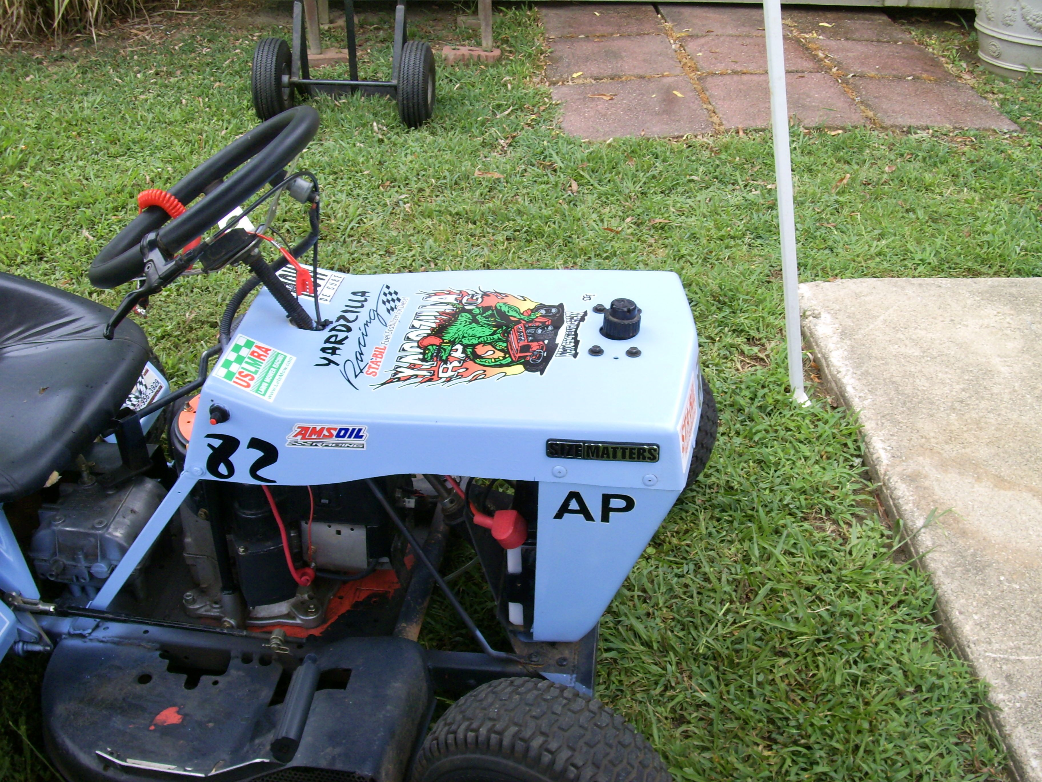 Ap Mowchine Side View Lawn Mower Racing Tractor Idea Lawn Tractor