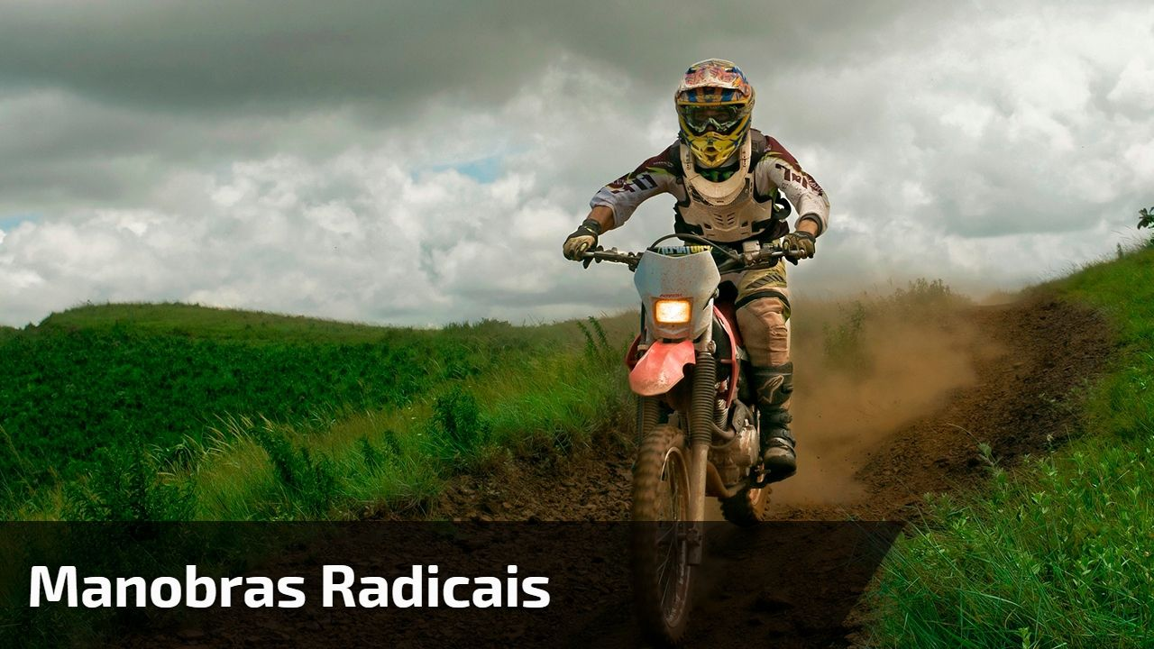 Manobras Radicais De Moto Quem Sabe Faz Em Qualquer Lugar