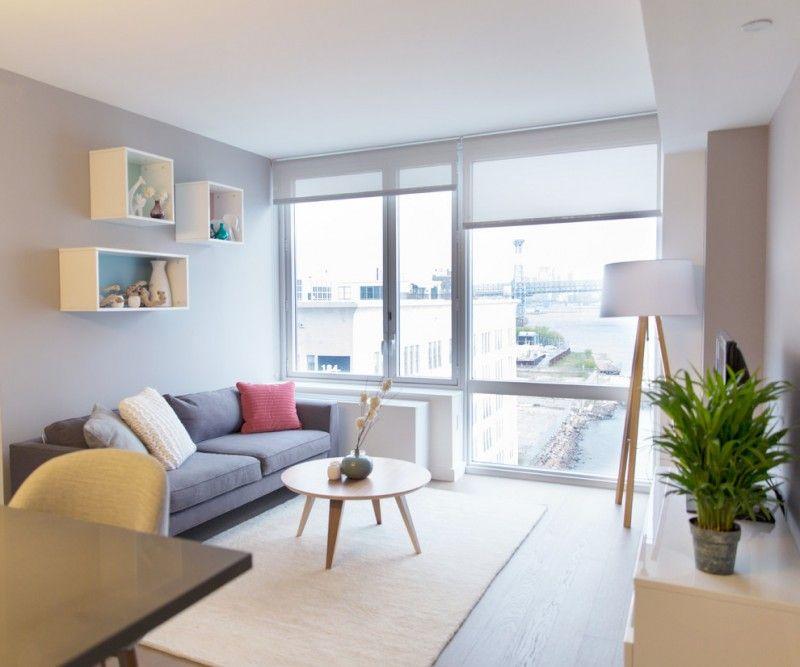 Wohnzimmer Mit Grauen Holz Boden Braun Teppich Grau Sofa Weiches