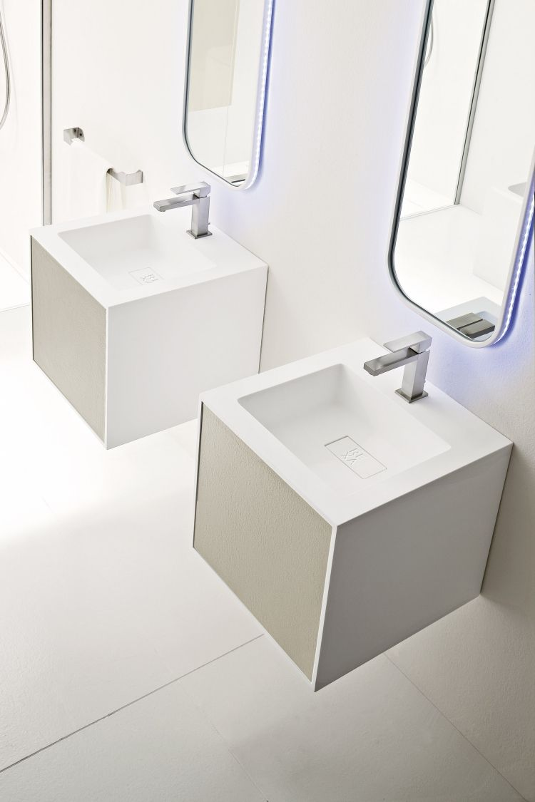 Badezimmer Spiegel Mit Beleuchtung In 50 Tollen Bildern Badezimmerspiegel Badezimmer Spiegel Mit Beleuchtung