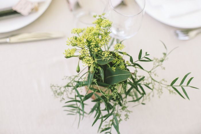 Simple foilage wedding centerpieces in copper tins | i take you #weddingcenterpieces #centerpieces