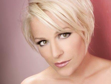 Frisur Michelle Sangerin Google Suche Frisuren Singer