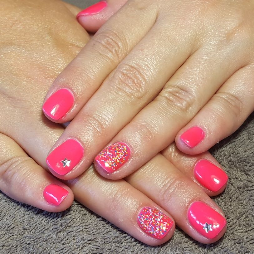 nails, accent nail, gelish, shellac, gellac, nail art, lumo, pink, sprinkles, star, silver, diamante