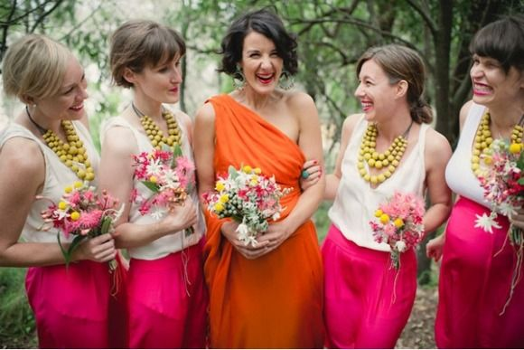 Love the bridesmaids' necklaces