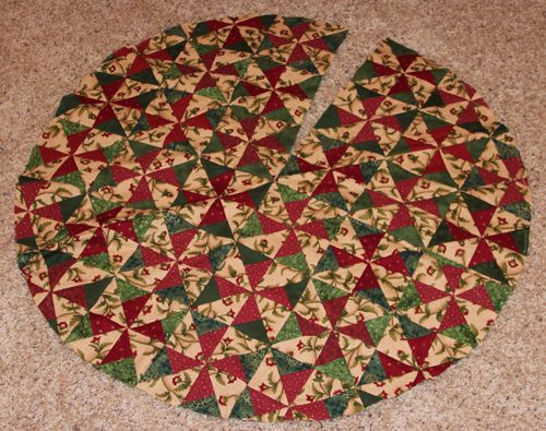 Quilted Christmas Tree Skirt Pinterest : QUILTED CHRISTMAS TREE SKIRT PATTERNS - FREE PATTERNS Tutorials, Tools and Techniques ...