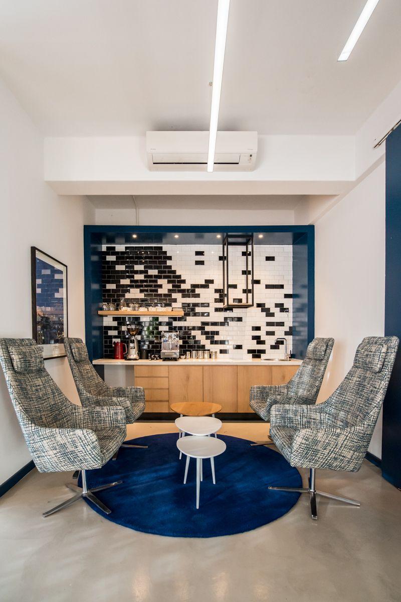 #Inhouse #Inhousedesignstudo #Inhousedesigns #InteriorDesign #Kitchen #Blue