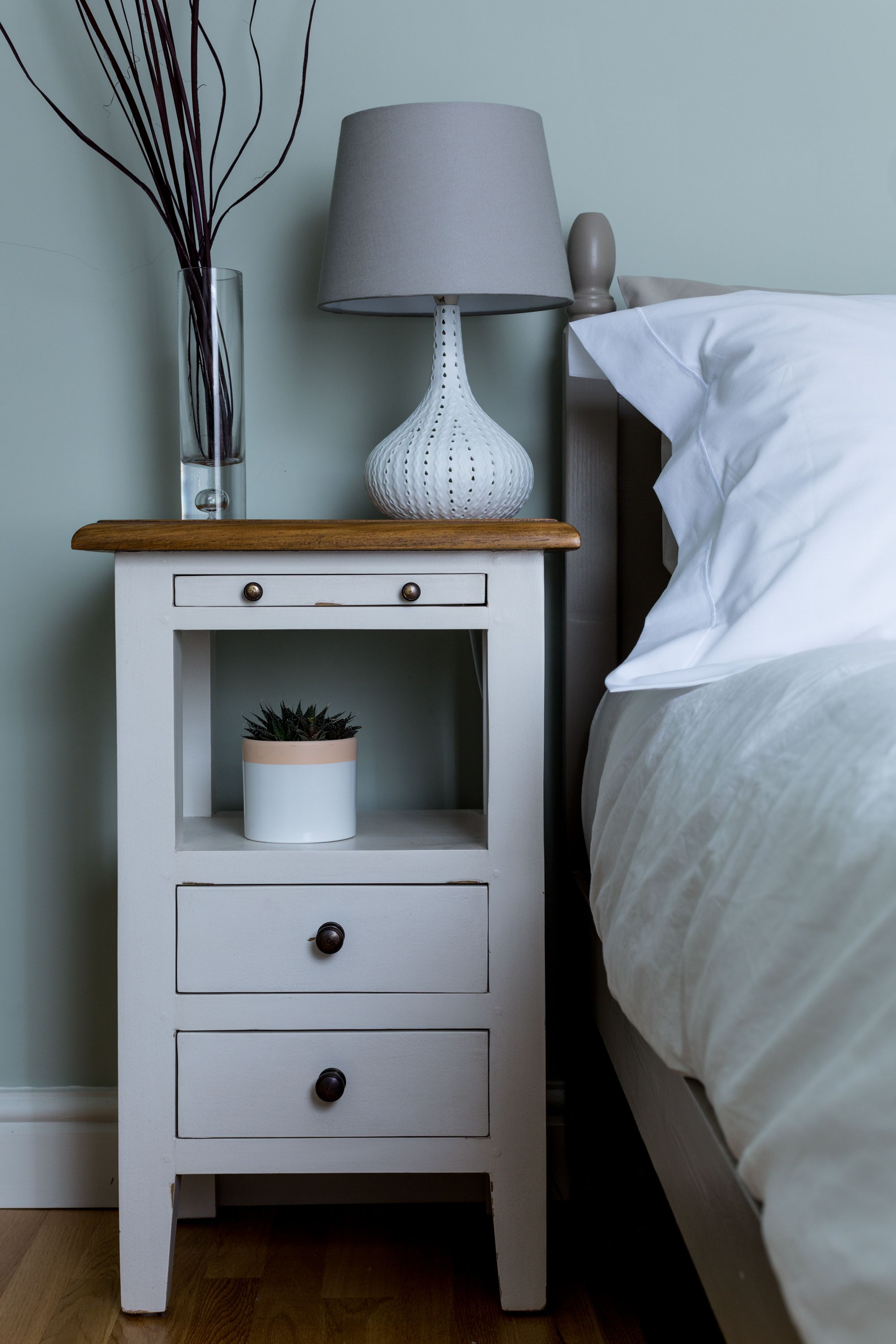Retro Style Container Bedside Table: Bedroom Renovation, Interior, Vintage