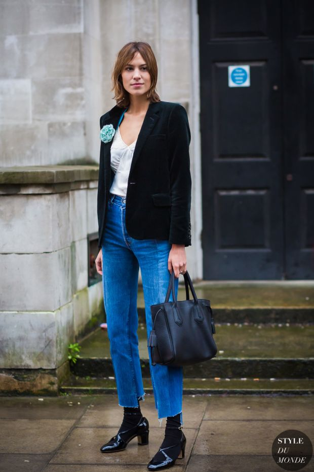 Alexa Chung Street Style Street Fashion Streetsnaps by STYLEDUMONDE Street Style Fashion Photography