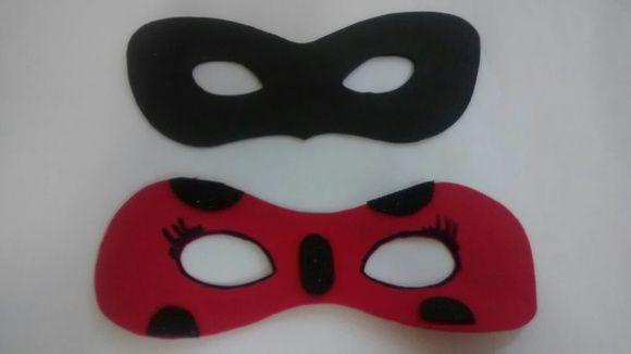Máscara da Ladybug e Cat Noir feitos em feltro.