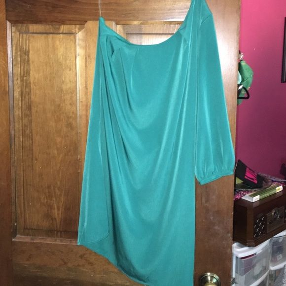 Lulu's Green One Shoulder Dress Only worn once! Like new! Lulu's Dresses One Shoulder