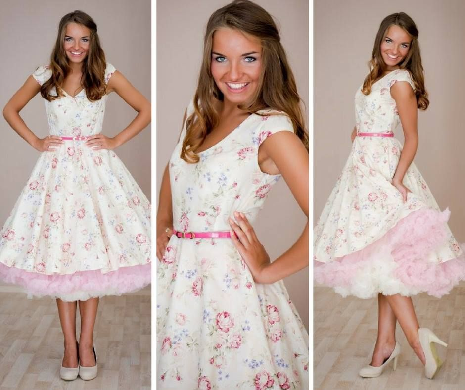 3a22efdf45f8 Šaty s kytičkami se hodí pro neformální nevěstu na retro svatbu ...