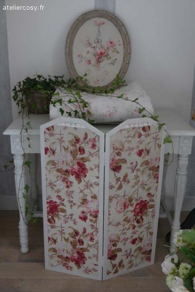 paravent et tissu ancien brocante de charme atelier decoration de charme paravent. Black Bedroom Furniture Sets. Home Design Ideas
