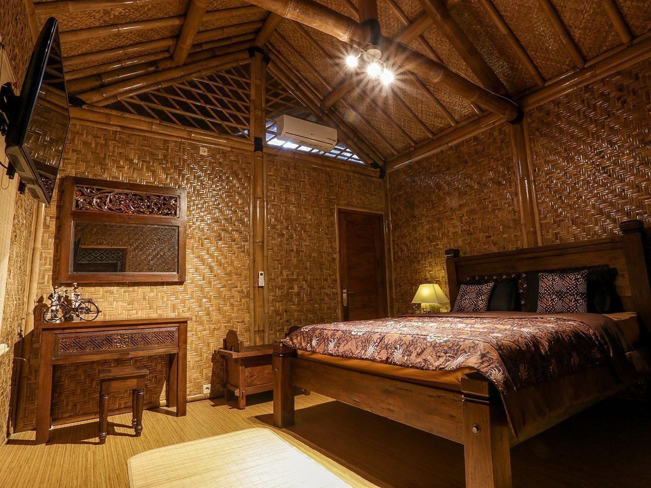 Omah Kecebong Guest House Yogyakarta, Indonesia (With