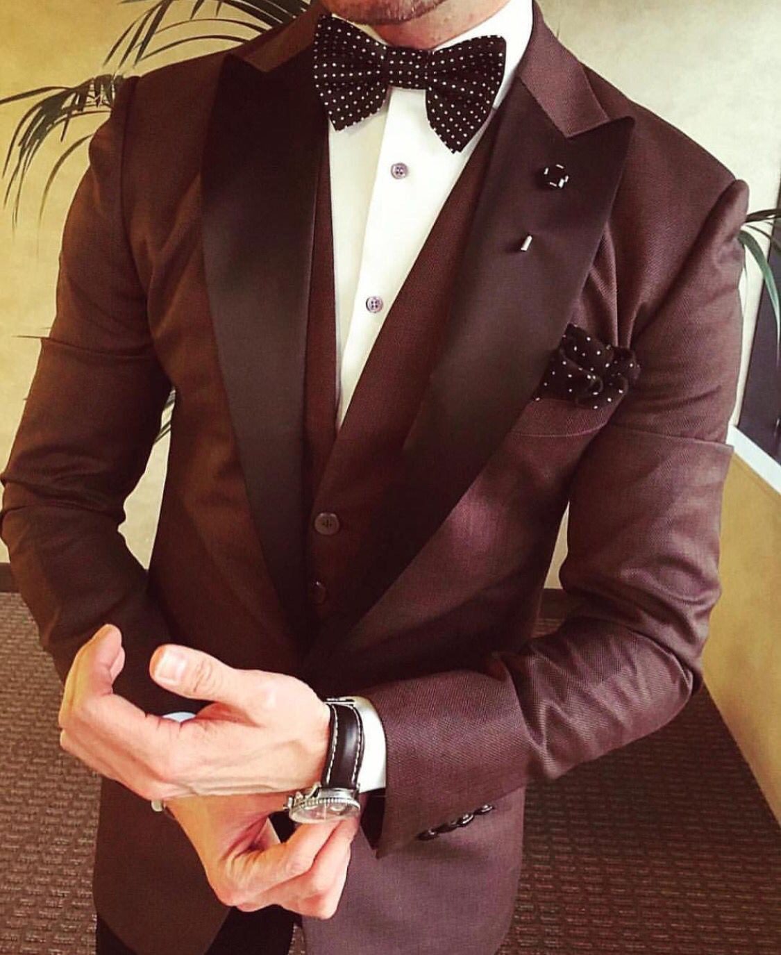 Red wine suit