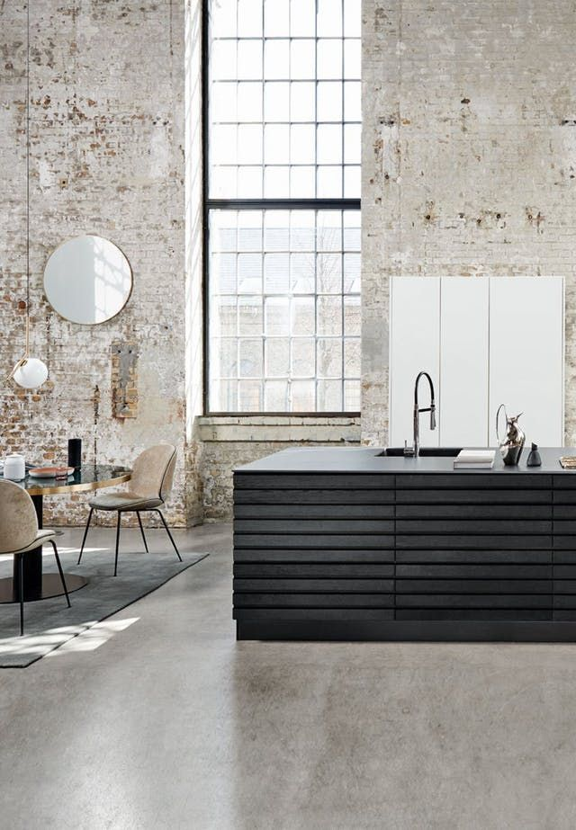 10 Badass Kitchens Rocking The Black Trend Right Now Kitchen Interior Interior Interior Design