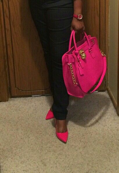 Micheal Kors Hamilton hot pink